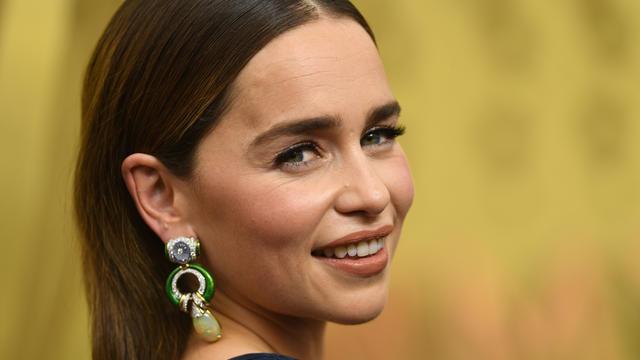 L'actrice Emilia Clarke, interprète de Daenerys Targaryen dans la série Game of Thrones, répond aux critiques des internautes sur la fin de la série.