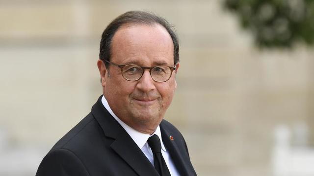 Pour François Hollande, «la démocratie paraît en danger dans notre pays».