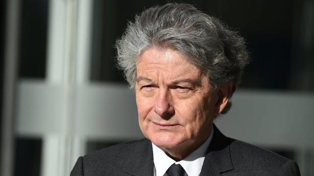 Le passé de Thierry Breton, ancien PDG de l'entreprise Atos, est au cœur des critiques de certains députés européens de gauche.