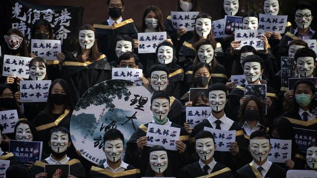 Les masques de Guy Fawkes étaient de sortie ce 5 novembre à Hong Kong