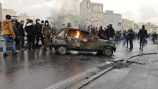Les manifestations sont rapidement devenues violentes en Iran