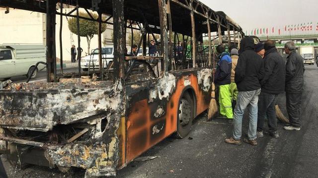 Les photos des manifestations et des dégâts sont rares