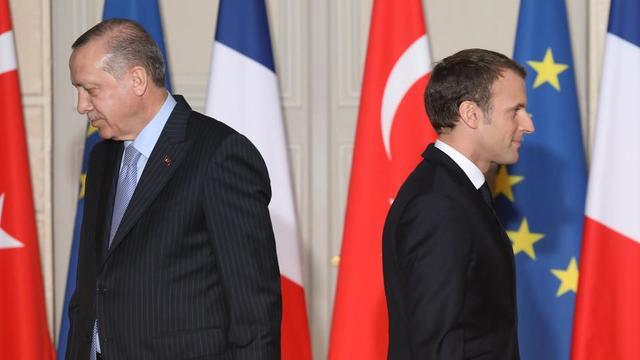 Le président turc Recep Tayyip Erdogan et son homologue français Emmanuel Macron se sont violemment affrontés verbalement ces derniers jours au sujet de l'offensive d'Ankara en Syrie.