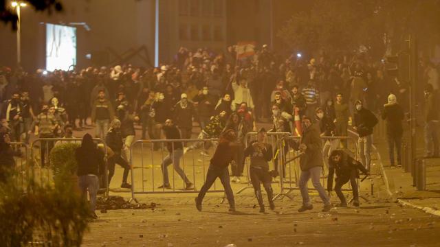 Des manifestations violentes ont eu lieu à deux jours des consultations parlementaires