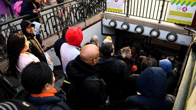 Les métros toujours bondés en ce début janvier.