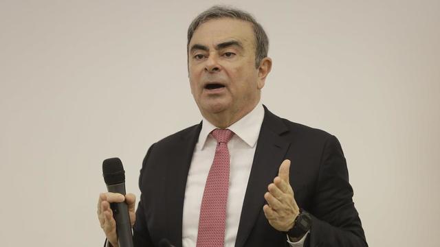 Carlos Ghosn affirme ne pas avoir démissionné de Renault, mais seulement quitté l'entreprise, afin justement de faire valoir ses droits à la retraite, alors qu'il était de fait empêché de diriger le groupe car en prison.
