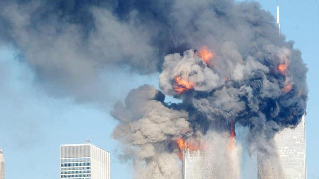 """Un juge fédéral de New York a accepté que les propriétaires des anciennes tours jumelles de Manhattan détruites lors des attentats du 11-Septembre 2001 réclament devant la justice plusieurs milliards de dollars aux compagnies aériennes American Airlines et United Airlines pour """"négligence"""".[GETTY IMAGES NORTH AMERICA]"""