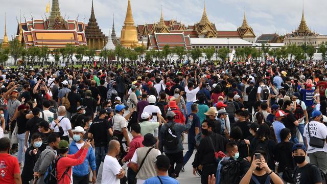Les manifestants réclament plus de démocratie.