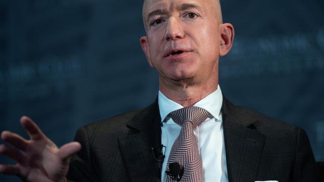 Jeff Bezos, PDG d'Amazon, admet qu'il y a des efforts à faire sur les conditions de travail de ses salariés