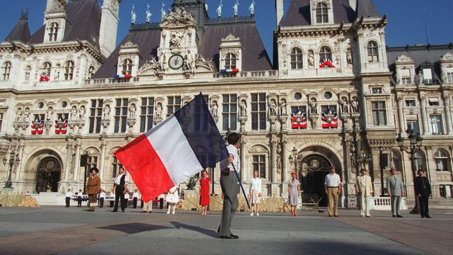 La droite parisienne, dépourvue de leader et déchirée entre les partisans de François Fillon et ceux de Jean-François Copé dans la course à la présidence de l'UMP, apparaît à vingt mois des élections municipales plus divisée que jamais. [AFP]
