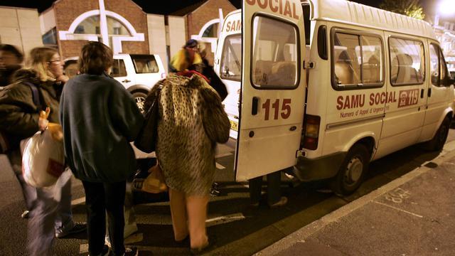 Les salariés qui gèrent l'hébergement d'urgence dans la Somme exercent leur droit de retrait depuis lundi matin pour protester contre un possible dépôt de bilan de leur association et la dégradation de leurs conditions de travail, entraînant des mesures de la préfecture. [AFP]