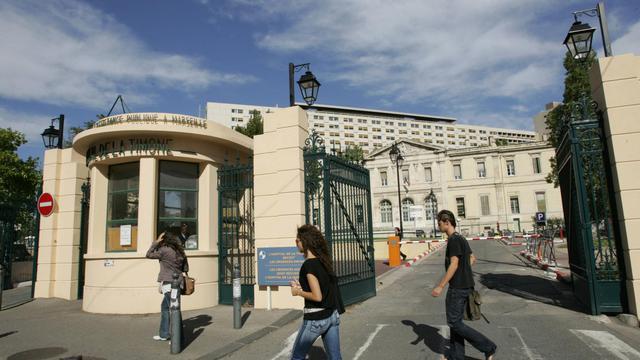 L'hôpital de l'Hopital de La Timone à Marseille [Anne-Christine Poujoulat / AFP/Archives]
