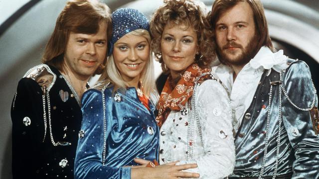 LE groupe de disco suédois ABBA, le 9 février 1974. [Lindeborg / AFP/Archives]