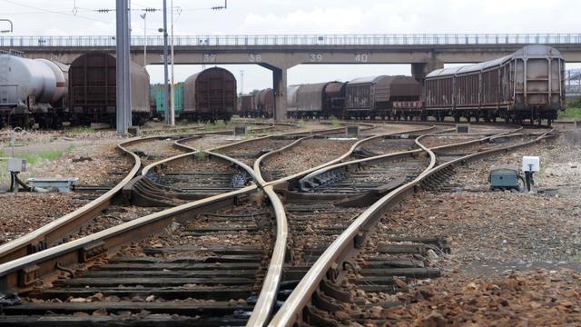 Deux ouvriers ont été tués et un autre grièvement blessé mardi en fin d'après-midi dans le Cantal, écrasés par un wagon alors qu'ils effectuaient des travaux sur une ligne ferroviaire, a-t-on appris auprès de la préfecture et de la gendarmerie. [AFP]