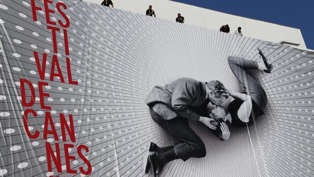L'affiche du festival de Cannes sur le palais des festivals, le 13 mai 2013 [Valery Hache / AFP/Archives]