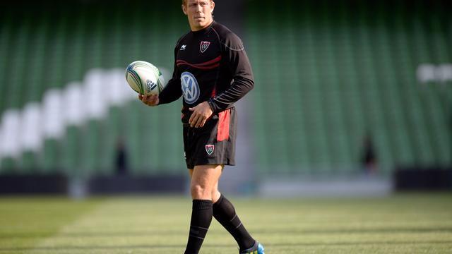 L'ouvreur et capitaine de Toulon  Jonny Wilkinson s'entraîne à la veille de la finale de Coupe d'Europe, le 17 mai 2013 [Lionel Bonaventure / AFP]