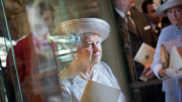 Elizabeth II assiste au service en l'honneur du 60èùe anniversaire de son couronnement à l'Abbaye de Westminster à Londres, le 4 juin 2013 [Jack Hill / Pool/AFP]