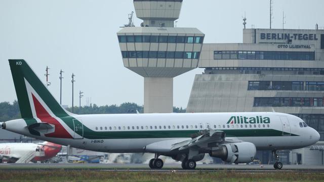 Les heures de la compagnie low cost sicilienne Windjet, au bord de la faillite et dont les vols ont été interrompus, sont comptées alors que les négociations en vue d'un rachat par Alitalia étaient dans l'impasse mardi soir.[AFP]