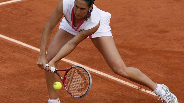 Virginie Razzano, lors du 2e tour de Roland-Garros 2012 contre Arantxa Rus, le 31 mai 2012 à Paris [Jacques Demarthon / AFP]