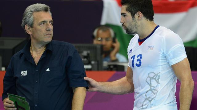 Claude Onesta (g) et Nikola Karabatic, le 4 août 2012 aux JO de Londres [Javier Soriano / AFP/Archives]