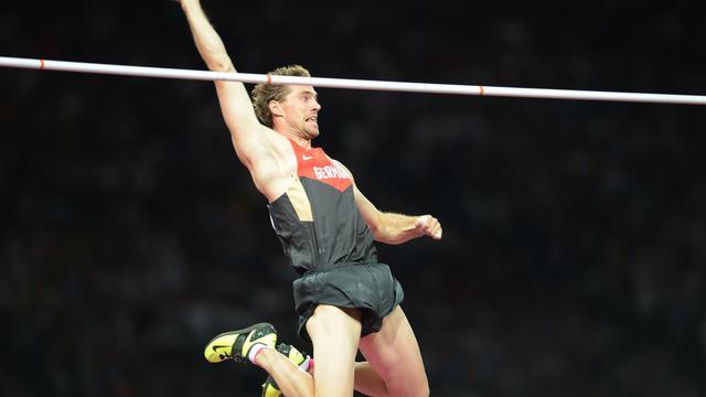 L'Allemand Björn Otto, vice-champion olympique de saut à la perche à Londres, a franchi pour la première fois de sa carrière la barre mythique des 6 m avec un bond à 6,01 m dans le concours de rue d'Aix-la-Chapelle, mercredi[AFP/Archives]