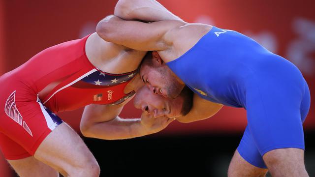 Les lutteurs américain Stephen Varner et ukrainien Valerii Andriitsev, lors des JO 2012 à Londres [Marwan Naamani / AFP/Archives]