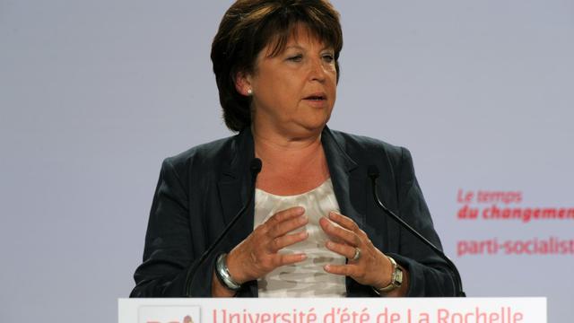 """La première secrétaire du PS, Martine Aubry, a salué dimanche, après l'intervention télévisée de François Hollande, """"un président mobilisé et mobilisateur"""", """"à la hauteur"""" de ses """"responsabilités historiques"""". [AFP]"""