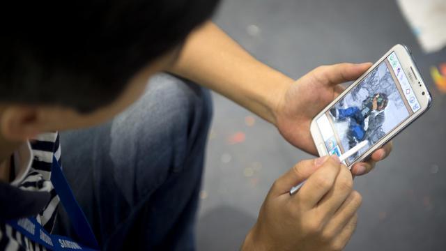 Un employé de Samsung utilise une tablette, le 30 août 2012 à Berlin [Odd Andersen / AFP/Archives]