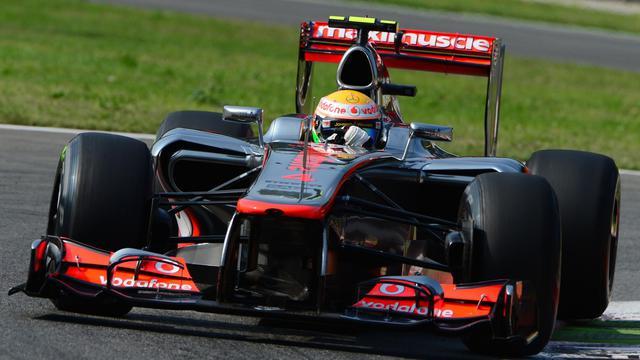 Les Britanniques Lewis Hamilton et Jenson Button (McLaren) partiront en première ligne dimanche au Grand Prix d'Italie, après avoir signé les deux meilleurs temps des qualifications, samedi à Monza, marquées par la 10e place de l'Espagnol Fernando Alonso (Ferrari) [AFP]