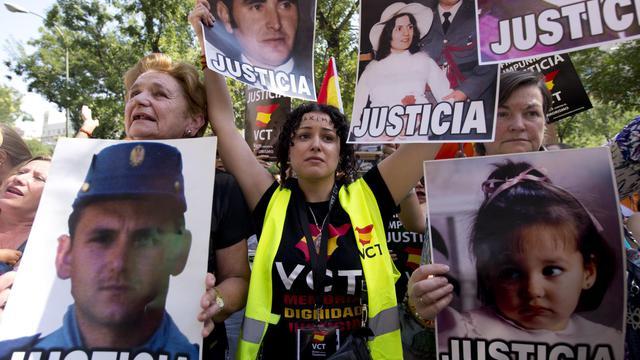 La justice espagnole a confirmé mercredi la décision controversée d'accorder la liberté conditionnelle à un membre de l'ETA gravement malade et dont la situation avait suscité une vague de protestations au sein des détenus de l'organisation séparatiste basque. [AFP]