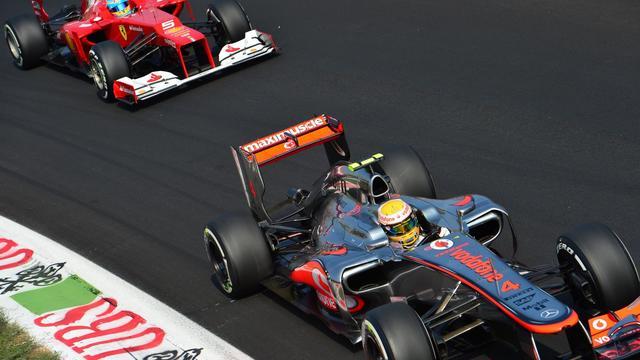 Les McLaren de Lewis Hamilton et Jenson Button partiront en première ligne, dimanche à Monza, et les deux Britanniques seront les favoris logiques du Grand Prix d'Italie, alors que Fernando Alonso (Ferrari), leader du championnat, partira plein d'espoir de la 5e ligne. [AFP]