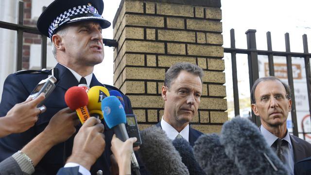 L'officier de policier britannique Robert Price, le procureur Eric Maillaud et le juge Michel Molin le 13 septembre 2012 à Woking en Grande-Bretagne [Leon Neal / AFP/Archives]