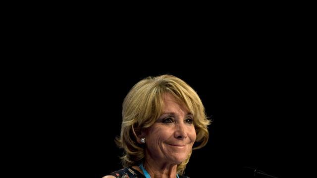 La présidente de la région de Madrid, Esperanza Aguirre, le 7 octobre 2011, lors du congrès national du Parti populaire à Malaga, dans le sud de l'Espagne [Jorge Guerrero / AFP/Archives]