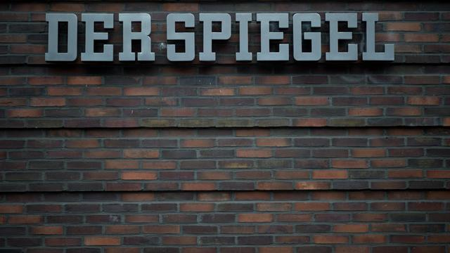 Le logo de l'hebdomadaire allemand Der Spiegel, à son bureau de Hambourg, le 29 novembre 2012 [Johannes Eisele / AFP/Archives]