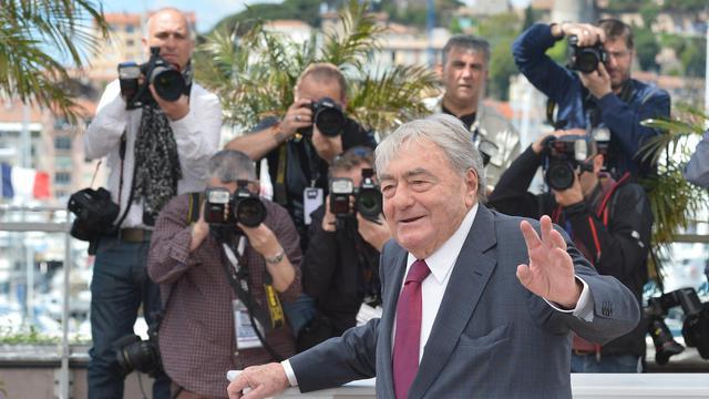 Le réalisateur Claude Lanzmann pose pour les photographes à Cannes le 19 mai 2013 [Alberto Pizzoli / AFP]
