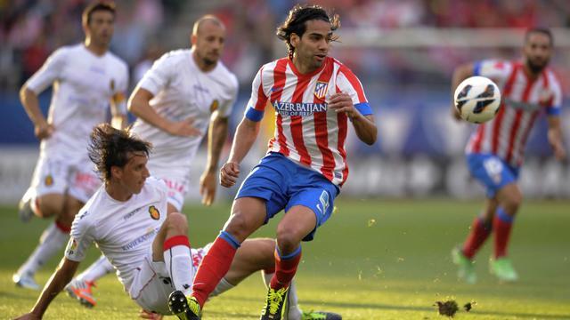 L'attaquant colombien de l'Atletico Madrid Radamel Falcao (c) lors du match de championnat contre Majorque, le 26 mai 2013, au stade Vicente-Calderon [Pedro Armestre / AFP]