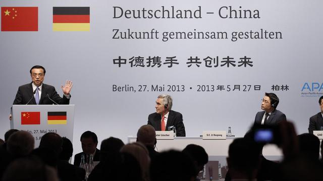 Le Premier ministre chinois Li Keqiang fait un discours lors de sa visite en Allemagne, le 27 mai 2013 à Berlin [Tobias Schwarz / AFP/Archives]