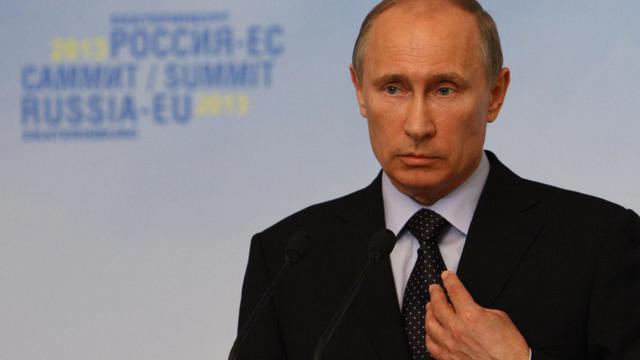 Le président russe Vladimir Poutine lors d'une conférence de presse, le 4 juin 2013 à Ekaterinbourg (1.500 km à l'est de Moscou) [Vladislav Lonshakov / Commission européenne/AFP]