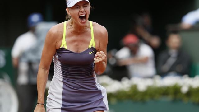 La Russe Maria Sharapova lors de sa demi-finale victorieuse contre le Bélarusse Victoria Azarenka en demi-finale de Roland-Garros, le 6 juin 2013 [Patrick Kovarik / AFP]