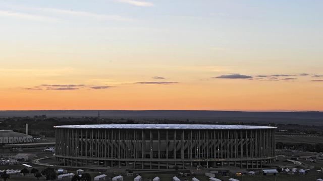 """Le stade """"Mane Garrincha"""" à Brasilia où se déroulera le match Brésil-Japon, le 13 juin 2013 [Vanderlei Almeida / AFP]"""