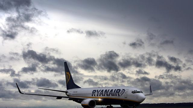 """Le syndicat allemand des pilotes Cockpit, a assuré jeudi suite à des atterrissages d'urgence d'avions Ryanair en Espagne pour cause de réservoirs vides, que la compagnie exerçait """"une forte pression"""" pour faire des économies de carburant.[DDP]"""