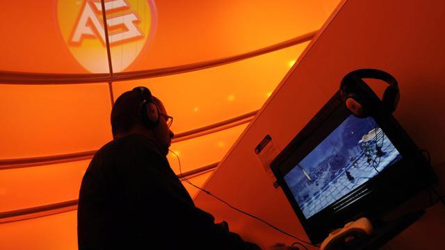 L'éditeur américain de jeux vidéo Electronic Arts (EA) envisage de se mettre en vente alors qu'il souffre de la concurrence de sites de jeux en ligne gratuits[AFP]