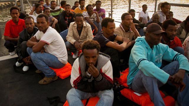 Des patrouilleurs de l'armée maltaise ont recueilli quelque 160 migrants somaliens et érythréens en difficulté à bord de deux embarcations entre Malte et la Libye, et quatre immigrés ont péri en mer, ont annoncé jeudi les forces armées maltaises (AFM).[AFM MARITIME SQUADRON]