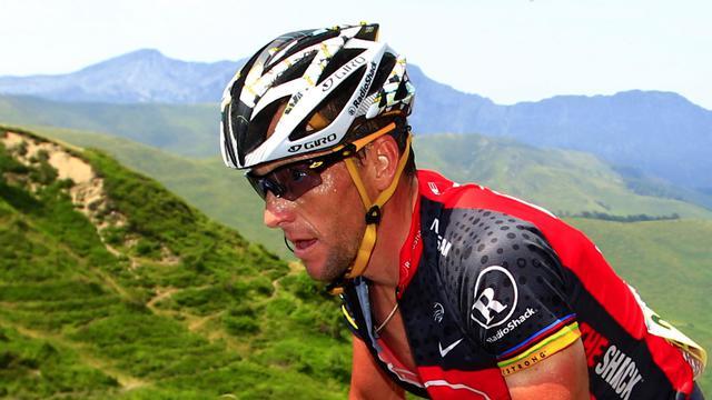 Le cycliste américain Lance Armstrong, lors de la montée du Col de l'Aubisque, pendant le Tour de France 2010, le 20 juillet [Joel Saget / AFP/Archives]