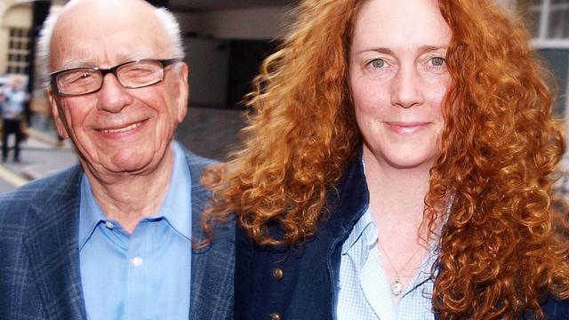 Le magnat des médias Rupert Murdoch et sa protégée, Rebekah Brooks, le 10 juillet 2011 à Londres [Max Nash / AFP/Archives]