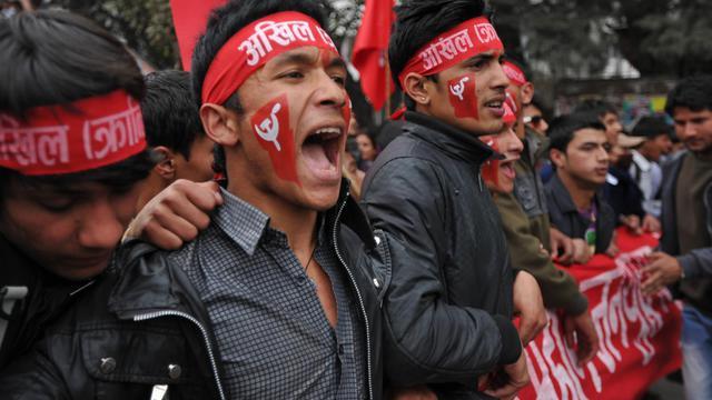 """Les maoïstes du Népal ont salué vendredi la décision des Etats-Unis de ne plus les considérer comme une organisation """"terroriste"""" après leur victoire aux élections en 2008 et leur intégration à la vie démocratique de l'ancienne monarchie himalayenne. [AFP]"""