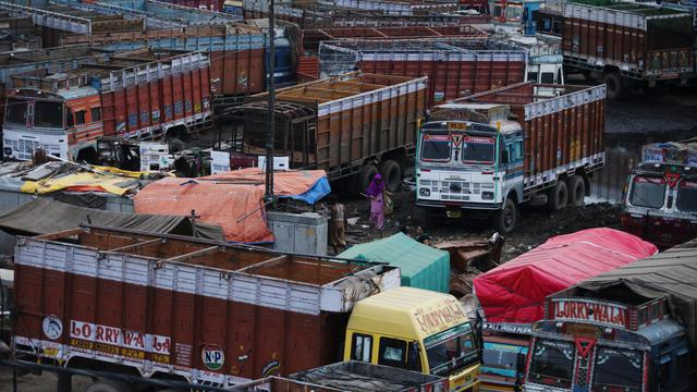 Des camions à New Delhi [Andrew Caballero-Reynolds / AFP/Archives]