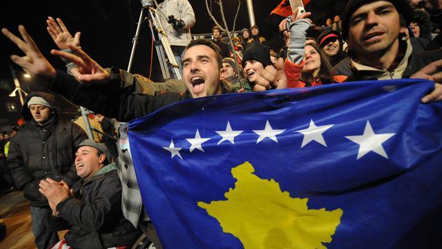 """Le Kosovo accède lundi à sa """"pleine souveraineté"""" avec l'annonce à Pristina par le Groupe d'orientation sur le Kosovo (ISG, International Steering Group) de sa dissolution, une fête géante étant prévue dans la capitale kosovare quatre ans et demi après la proclamation unilatérale de son indépendance de la Serbie. [AFP]"""
