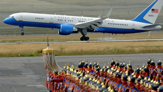 Air Force Two, l'avion du vice-président des Etats-Unis Joe Biden, atterri à Oulan Bator, le 22 août 2011 [Goh Chai Hin / AFP/Archives]
