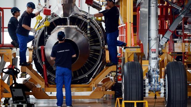 L'avionneur européen Airbus a annoncé vendredi avoir conclu un accord de principe avec ses partenaires chinois pour prolonger l'activité de son usine d'assemblage au-delà de 2016, à l'occasion de la sortie du 100ème A320 de cette usine située à Tianjin en Chine.[AFP]